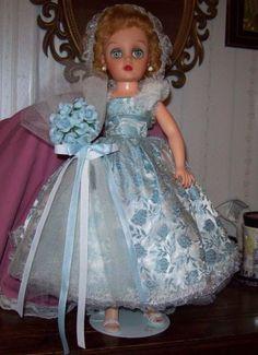 Vintage-1950-60-Dee-n-Cee-18-034-Brides-Maid-Doll-Orig-Dress-Revlon-Family