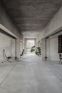 "Concrete walls and a smattering of furnishings provide a ""silent stage"" for members using Berlin co-working space Brutalist Silence. Küchen Design, House Design, Concrete Interiors, Interior Architecture, Interior Design, Architecture Diagrams, Architecture Portfolio, Creative Hub, Community Space"