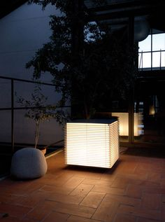 Solar garden lamps with Japanese culture