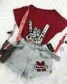 35 cool outfits that make you look cool - .- 35 coole Outfits, die dich cool aussehen lassen – – Sommer Mode Ideen 35 cool outfits that make you look cool – # …, - Mode Outfits, Outfits For Teens, Girl Outfits, Casual Outfits, Fashion Outfits, Fashion Trends, Fashion Clothes, Style Clothes, School Outfits