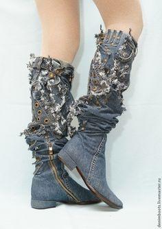 Купить или заказать Ботфорты 'Индиго', каблук 2 см в интернет-магазине на Ярмарке Мастеров. Ботфорты-трансформеры, каблук 2см. Ботфорты джинсовые, цвет индиго, голубой, шпилька 9см, каблучок 2см. Высота от пятки 70см, несколько размеров. Материал стрейч-деним, подойдет как обладательнице худеньких ножек, так и тем, у кого крупные икры и более пышные формы. Изготовлю подобные по вашим размерам на выбранной вами колодке. По вашему желанию легко трансформируются в сапожки.