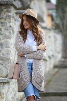 Fashion Blog Romania - Cluj-Napoca. Un strop de stil, moda si culoare. Pareri, sfaturi, imbracaminte si numai. Fashion Blogger Sandra Bendre. Autumn Fashion, Autumn Style, Style Inspiration, Outfits, Spring, Jackets, Glitter, Casual Wear, Tejidos