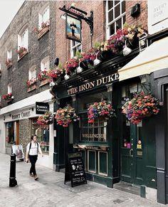THE IRON DUKE ~ London Pub