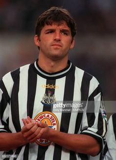 Phillipe Albert Newcastle United Football Images, Football Pictures, Newcastle Shirt, Newcastle United Football, Premier League Teams, Black N White, Legends, Nostalgia, Soccer
