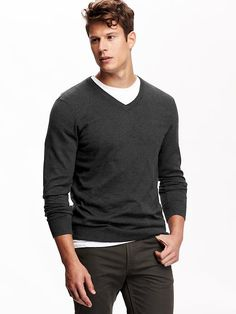 Men's Solid V-Neck Sweaters