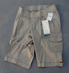 NWT $44 Oh Baby by Motherhood Maternity Underbelly Cargo Bermuda Shorts Sz S & M - $27.95