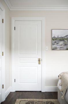 Decor white walls living room paint colors 41 Ideas for 2019 Off White Paint Colors, Best Neutral Paint Colors, Off White Paints, Off White Walls, White Doors, Off White Bedrooms, White Wall Bedroom, White Wall Paint, Doors
