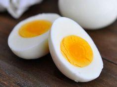Haşlanmış Yumurta Diyeti Sayesinde 14 Günde 10 Kilo Verebilirsiniz - Sağlık Paylaşımları Ensalada Cobb, Super Dieta, Perder 10 Kg, Health Benefits Of Eggs, Perfect Hard Boiled Eggs, Egg Diet Plan, Diet Recipes, Healthy Recipes, Diet Tips