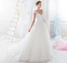 Moda sposa 2018 - Collezione NICOLE.  NIAB18104. Abito da sposa Nicole.