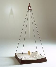 sand plate pendulum - Google Search Magick, Witchcraft, Tree Swings, Pendulum Clock, Relaxation Room, Kinetic Art, Sculpture Ideas, Automata, Mobiles