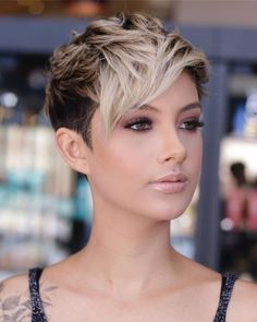 Trendy Very Short Haircuts for Women will be in 2020 women hair trends. In Hollywood, Angelina Jolie and Christine Stewart had used this hair style in past years. Therefore this hair model now in world Latest Short Haircuts, Short Pixie Haircuts, Pixie Hairstyles, Short Hairstyles For Women, Cute Hairstyles, Woman Hairstyles, Bob Haircuts, Haircuts For Oval Faces, Haircut Short