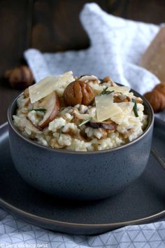 Risotto aux châtaignes et champignons shiitake vegetarisch lifestyle recipes grillen rezepte rezepte schnell Mushroom Recipes, Vegetable Recipes, Vegetarian Recipes, Cooking Recipes, Healthy Recipes, Healthy Eating Tips, Couscous, Food Inspiration, Italian Recipes