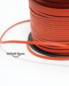 suédine effet cuir en coloris orange. pour créer des bracelet et bijoux fantaisie avec perles charm's