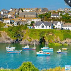 Beautiful Port Isaac - always well worth a visit! Bude Cornwall, North Cornwall, Cornwall England, Port Isaac, Scotland Travel, London Travel, Great Britain, Beautiful Places, Places To Visit