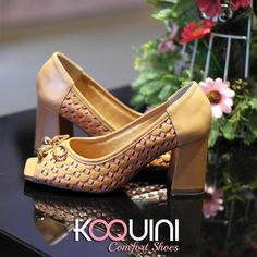 Pode começar a semana, estamos preparadas com muito charme e conforto #koquini #comfortshoes #euquero #peeptoe Compre Online: http://koqu.in/2dOSpT3