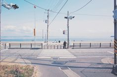 japan and sea imageの画像 Japanese Aesthetic, Blue Aesthetic, Aesthetic Photo, Film Photography, Street Photography, Applis Photo, Beautiful World, Beautiful Places, What A Nice Day