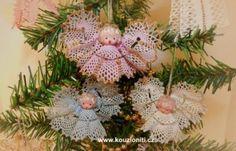 paličkovaný anděl - Hledat Googlem Lace Heart, Lace Jewelry, Bobbin Lace, Lace Detail, Christmas Wreaths, Creations, Holiday Decor, Flowers, Santa
