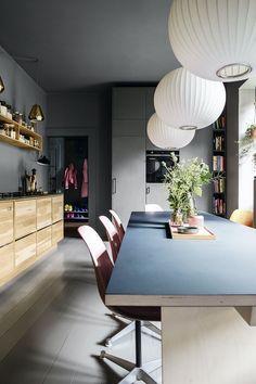 luxury kitchen design ideas we'd copy if money were no object Best Kitchen Designs, Modern Kitchen Design, Interior Design Kitchen, Retro Home Decor, Unique Home Decor, Small Apartment Storage, Cuisines Design, Luxury Kitchens, Interior Architecture