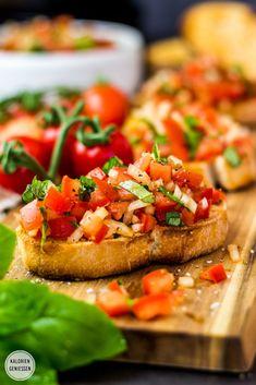 Beans Greens Potatoes Tomatoes, Bruschetta Recipe, Tomato Bruschetta, Tapas, Mary Recipe, Veggie Dinner, Finger Foods, Food Photography, Good Food