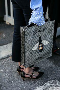 e82b2811b Blind for love and Gucci Handtaschen Marken, Anziehen, Wolle Kaufen, Mode  Für Frauen