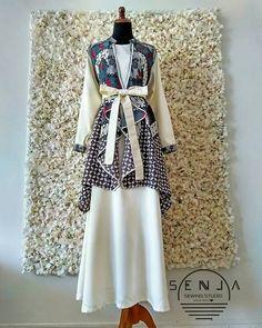 Batik Fashion, Hijab Fashion, Fashion Dresses, Blouse Batik, Batik Dress, Emo Dresses, Dresses For Work, Outer Batik, Tulle Dress
