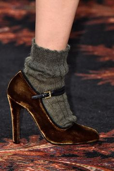 The trend sock fashion has been poped upeverywhere, whatever from the runway to street style outfits. From the warmth to chic, fashion bloggers, stars all ta