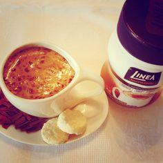 Vai um cappuccino aí? Perfeito para o friozinho deste inverno! A mistura para o preparo de cappuccino da Linea é adoçada com sucralose, fonte de proteínas e cálcio e possui 19% menos calorias que os tradicionais. Experimente!