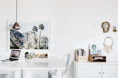 To help you choose the right white paint for your home and prevent you from wasting time comparing colour swatches, Dulux have called upon Three Birds Renovations to share their expert advice. Dulux Paint Colours White, White Wall Paint, Best White Paint, Wall Paint Colors, Interior Paint Colors, White Paints, White Walls, Interior Design, Dulux White On White
