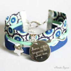 Bracelet liberty médaille gravée - gravure prénom message - tissu liberty bleu roi, blanc, menthe