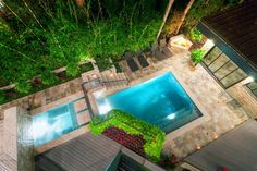 This is such a cool idea for a hillside backyard a terraced pool/spa! Wonderful Leblanc Cox Residence Inspired By A Hitchcock's Thriller : Leblanc Cox Residence With White Natural Stone Outdoor Pool Chair Garde. Outdoor Pool, Outdoor Spaces, Outdoor Decor, Backyard Patio, Outdoor Ideas, Blow Up Pool, Style Tropical, Pool Water Features, Rustic Bathroom Designs
