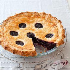 Best blueberry pie recipe - ever! #recipes #blueberrypie #blueberries