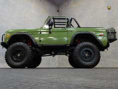 The bronco has a lift and Super Swamper TSL Radials (rear tires in good shape and hold air, front are worn and leak down). Old Ford Bronco, Bronco Truck, Early Bronco, Jeep Truck, 4x4 Trucks, Custom Trucks, Cool Trucks, Chevy Trucks, Lifted Trucks