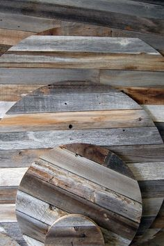 reclaimed wood fencing projects - this link us lame,  but the pic is inspiring
