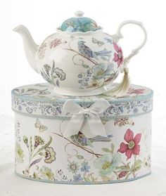 Wildflower Porcelain Teapot in Gift Box – Roses And Teacups Fine Porcelain, Porcelain Ceramics, Porcelain Tiles, Box Roses, Shabby, Teapots And Cups, Teacups, China Tea Cups, Tea Service