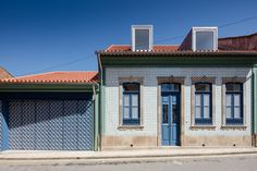 House in Ovar by Nelson Resende   Detached houses