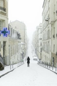 Montmartre in Winter, Paris - this is exactly what it was like when I was there!