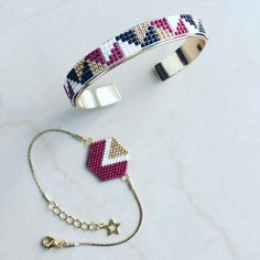 Check the way to make a special photo charms, and add it into your Pandora bracelets. Un peu de géométrie Loom Bracelet Patterns, Bead Loom Bracelets, Bead Loom Patterns, Beaded Jewelry Patterns, Jewelry Crafts, Handmade Jewelry, Bijoux Diy, Seed Bead Jewelry, Loom Beading