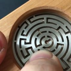 Cool Gadgets To Buy, Gadgets And Gizmos, Diy Home Crafts, Wood Crafts, Diy Furniture Videos, Puzzle Box, Fathers Day Crafts, Cool Inventions, Diy Box