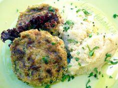 Zucchini patties with millet and cauliflower mash recipe | Light, yet satisfying #vegetarian meal. #sidedish