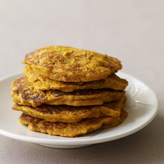 Enjoy a tasty and delicious meal with your loved ones. Learn how to make South African Pumpkin Fritters & see the Smartpoints value of this great recipe. Weight Watchers Pumpkin, Weight Watchers Meals, Ww Recipes, Cooking Recipes, Healthy Recipes, Healthy Foods, Vegetarian Recipes, Healthy Eating, Pumpkin Fritters