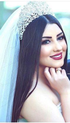 Beautiful Girl Makeup, Beautiful Blonde Girl, Beautiful Girl Photo, Bridal Makeup Images, Wedding Makeup, Wedding Couple Poses, Wedding Couples, Pakistani Bridal Makeup, Indian Wedding Gowns