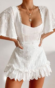 Cute Casual Outfits, Pretty Outfits, Casual Dresses, Fashion Dresses, White Outfits, White Dress Outfit, Women's Dresses, Casual Boots, Mini Dresses