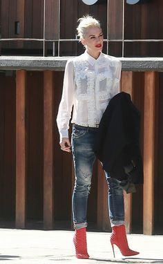 Gwen Stefani in Dsquared2 Skinny Slouchy Jeans...always a badass!