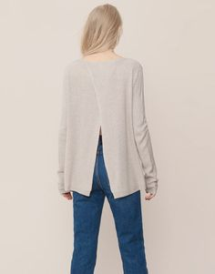 SWEATER WITH BACK VENT - KNITWEAR - WOMAN - PULL&BEAR Greece