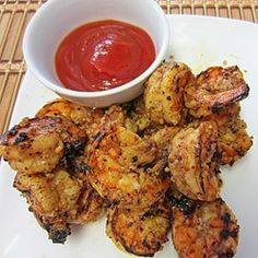 Lemon & Spice Grilled Shrimp    Ingredients  1 lb. large raw shrimp     Marinade   1/4 cup lemon juice   1/4 cup Worcestershire Sauce   1 Tablespoon minced garlic   1 Tablespoon minced onions   1 teaspoon chili powder   1/2 teaspoon black pepper