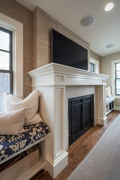 Window seats on both sides of fireplace. Living room, family room with window seats on both sides of fireplace. #Windowseats #fireplace…