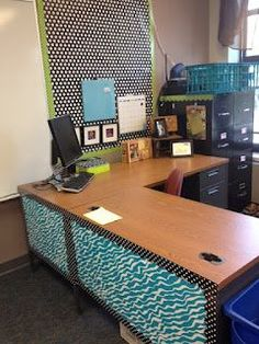 -Ramblings of a Fifth Grade Teacher has classroom organization and a Starbucks Giveaway that ends August 28!
