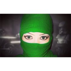 I wish to be a Ninja!  Lol it's a lot harder than i thought it was attempted to do anime eyes... Failed.  I'll try again another day  Don't forget to check out and follow  @dragonstrading  #animemakeup  #makeup #anime #animeeyes #cosplaymakeup #cosplay #cosplayer #fashion #beauty #eyes #eyemakeup #ninja #green #coloredeyes #pinkyparadise #geek #otaku #kawaii