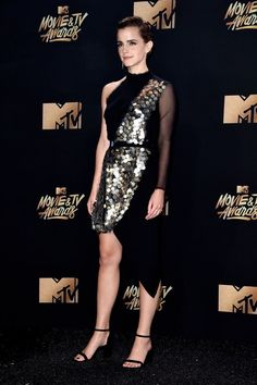 Delicious female feet Emma Watson Sexiest, Emma Watson Beautiful, Mtv Movie Awards 2017, Tv Awards, Emma Watson Style, Female Feet, Celebs, Celebrities, Star Fashion
