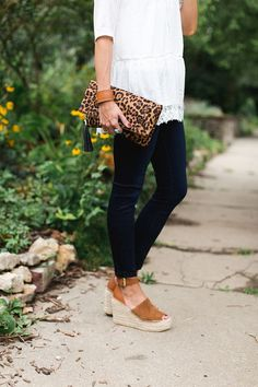 espadrille wedges, eyelet top, lace, leopard clutch, skinny jeans